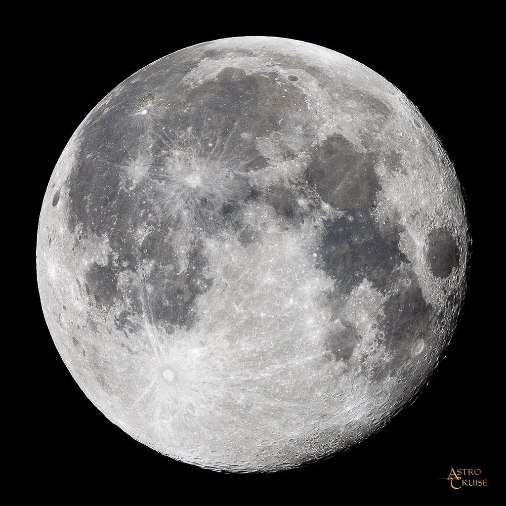 Object Data: The moon was almost full (actually 21 hours past) when ...